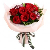 10 Red Roses in Round Bouquet